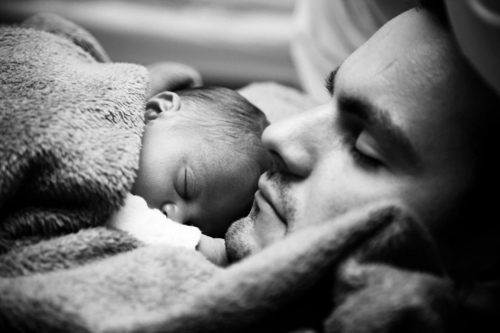 baby_and_dad_sleeping_BW